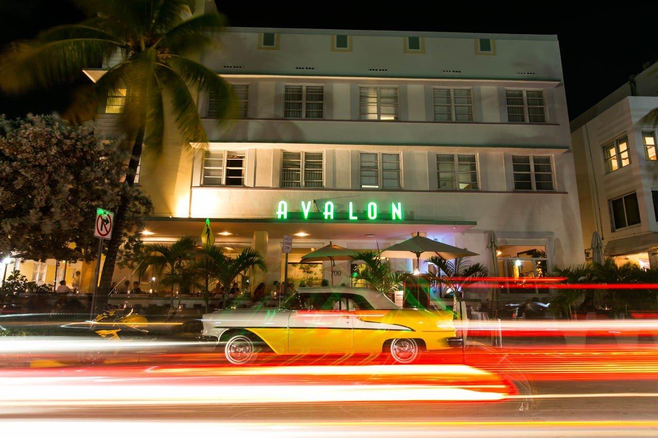 Hotel Avalon en la famosa avenida Ocean Drive - South Beach - Tetsu Esposito