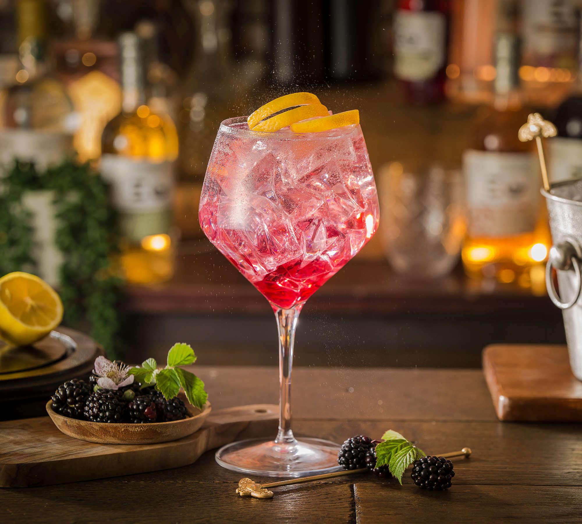 Edinburgh-gin-bramble-honey-cocktail
