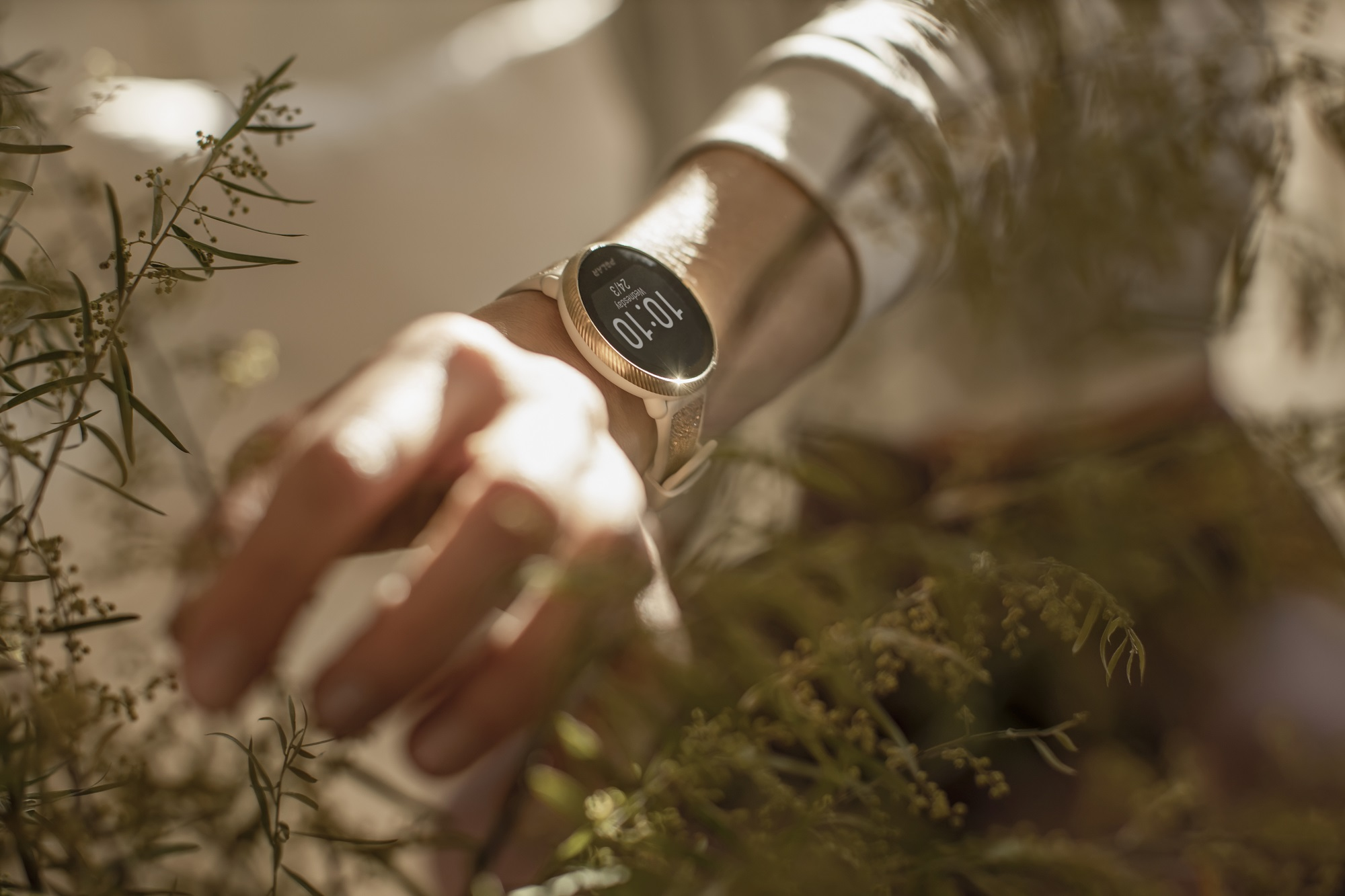 Garmin Lily, smartwatch, elegante, reloj inteligente
