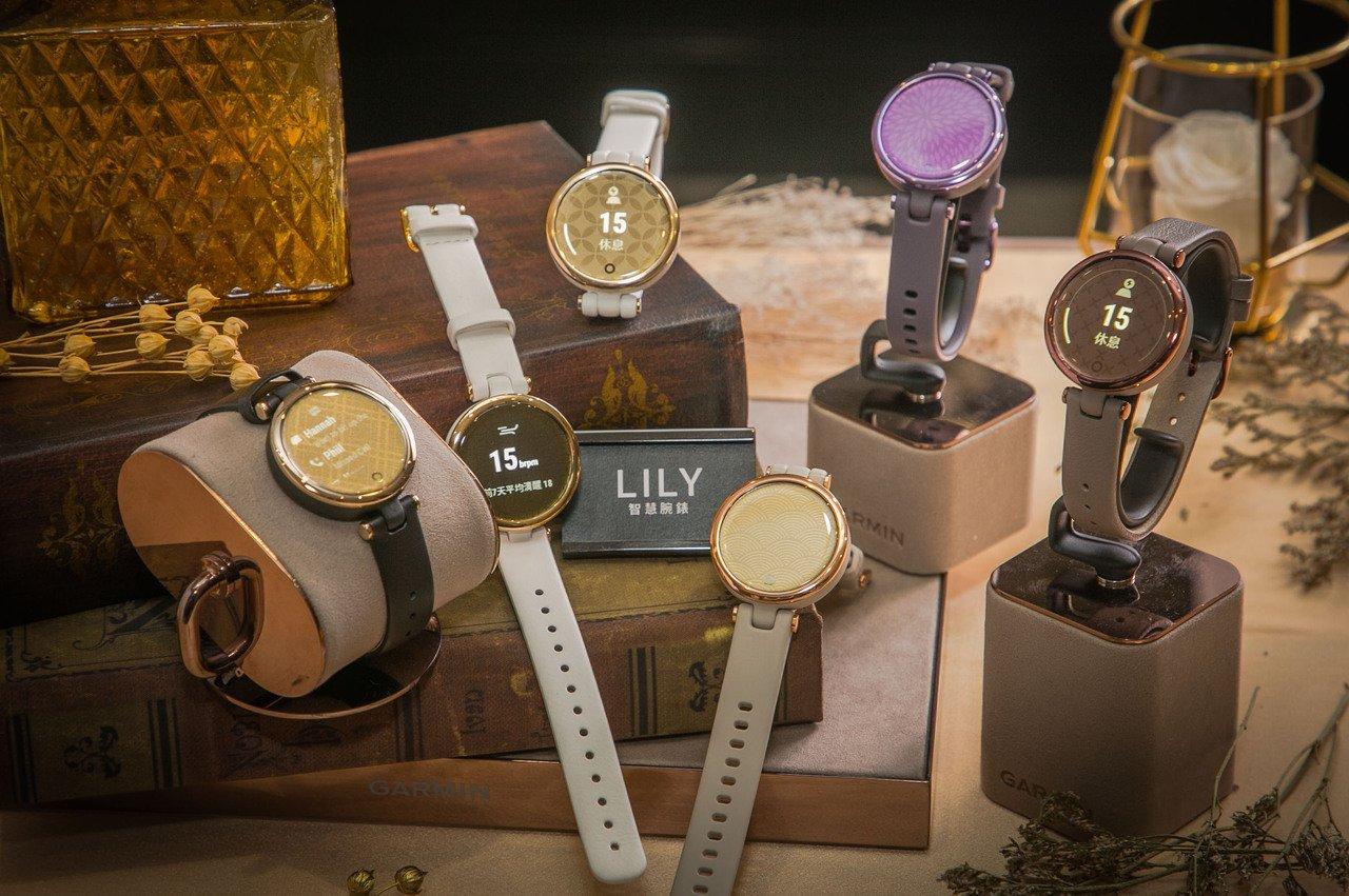 Garmin Lily, smartwatch, elegante, reloj inteligente, colores, versiones, sport, classic